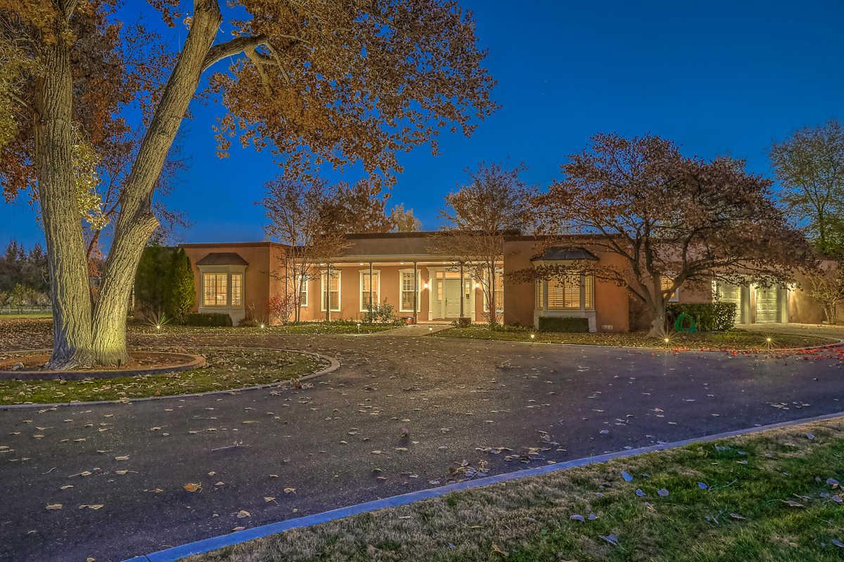 $2,400,000 - 3Br/4Ba -  for Sale in Los Ranchos