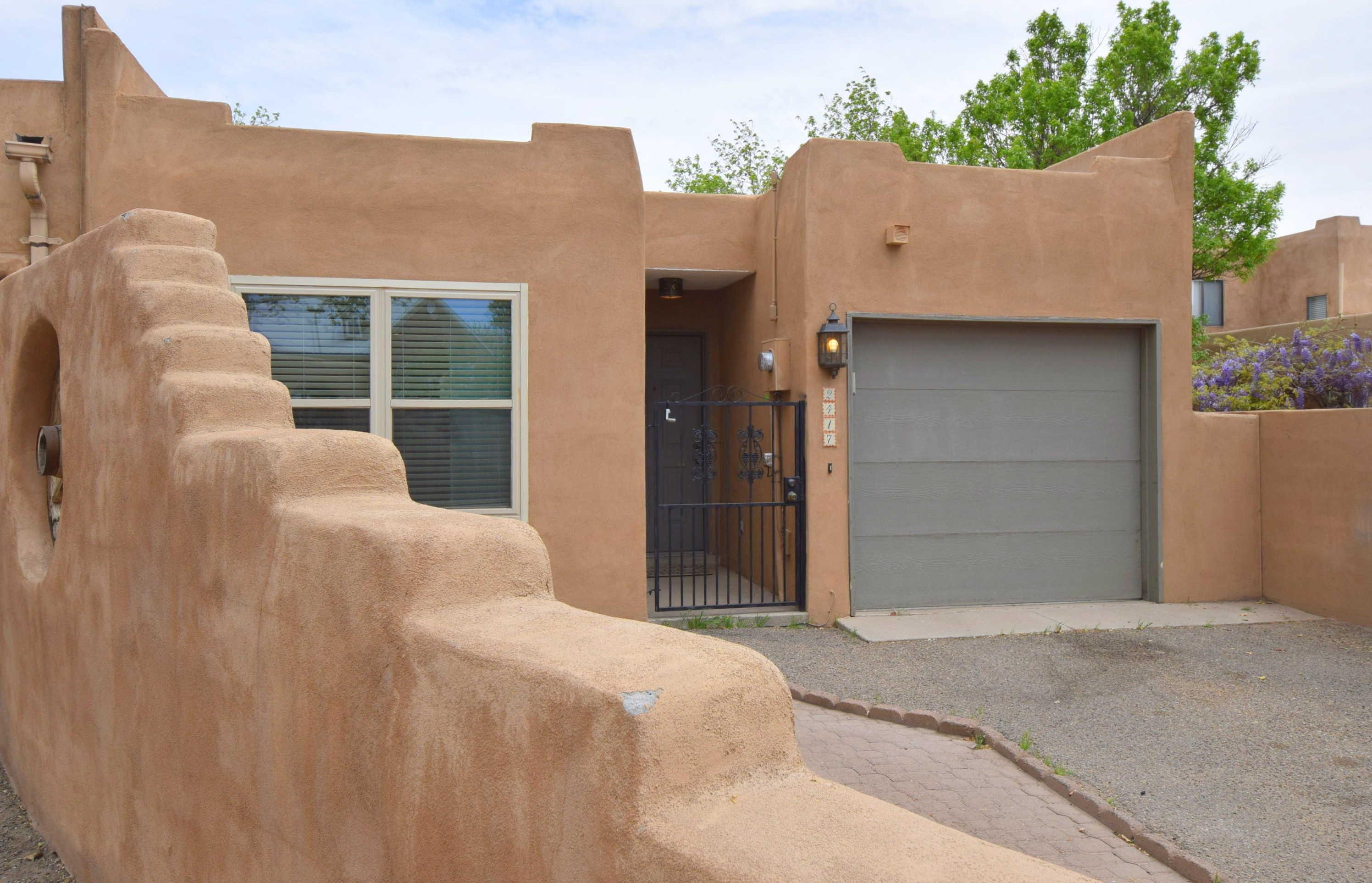 $260,000 - 2Br/2Ba -  for Sale in Carson-grande Addition, Albuquerque