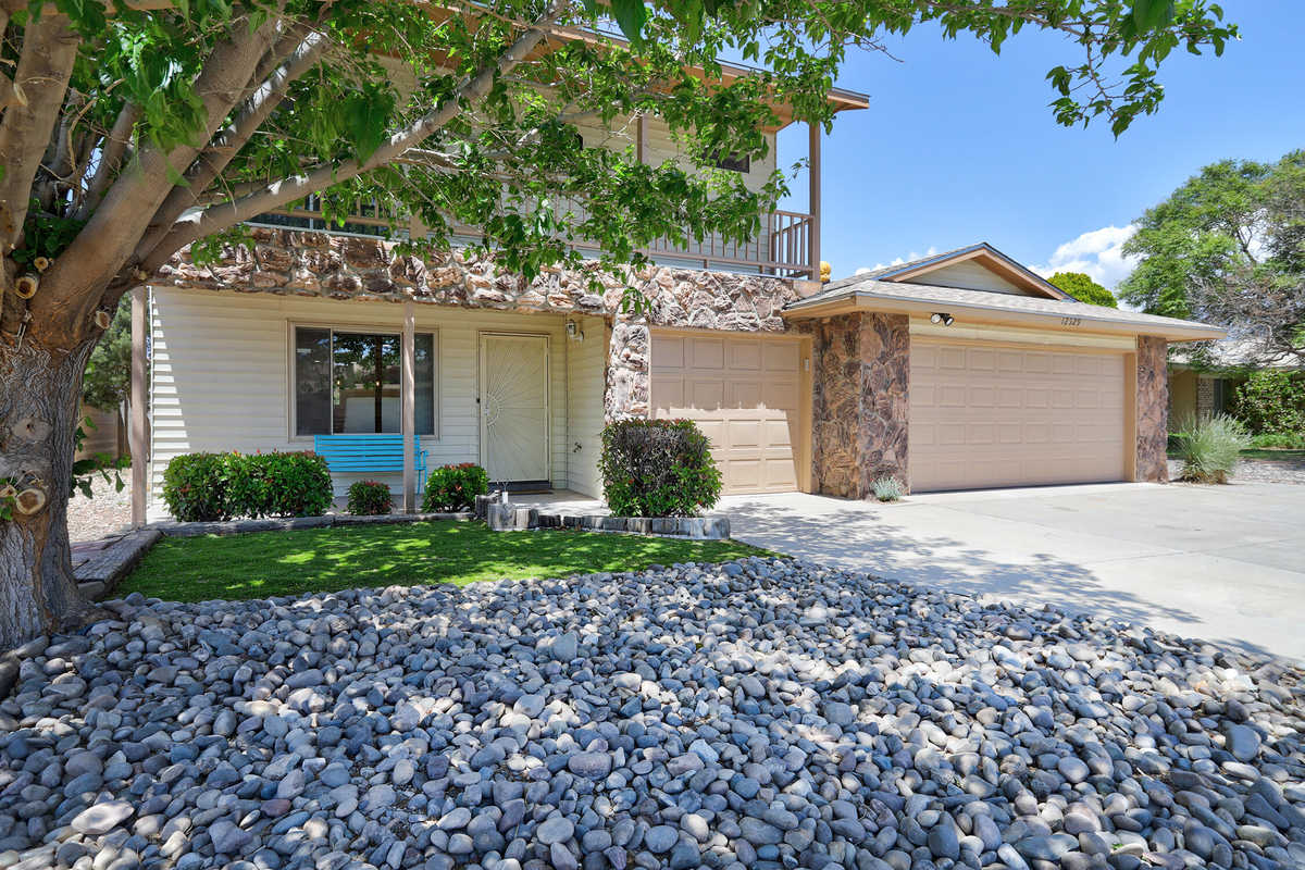 $365,000 - 4Br/3Ba -  for Sale in Four Hills Addition, Albuquerque