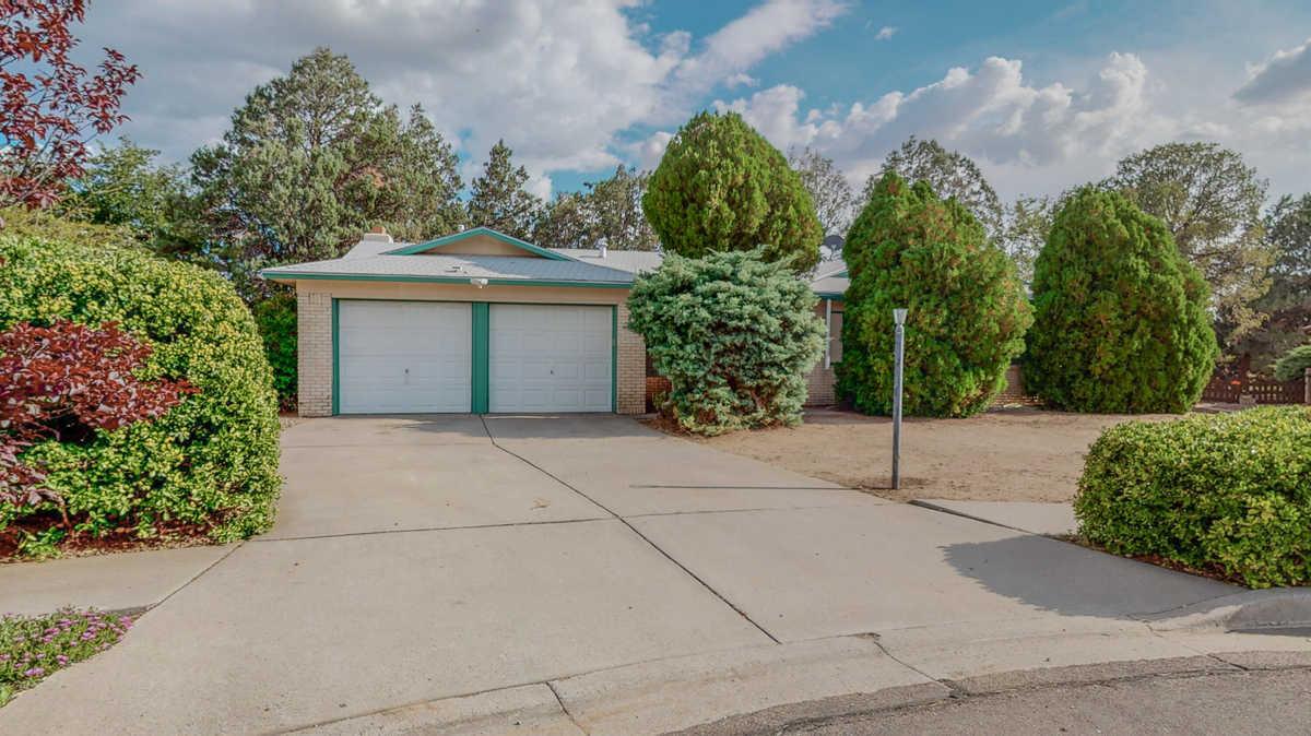 $300,000 - 3Br/2Ba -  for Sale in Albuquerque