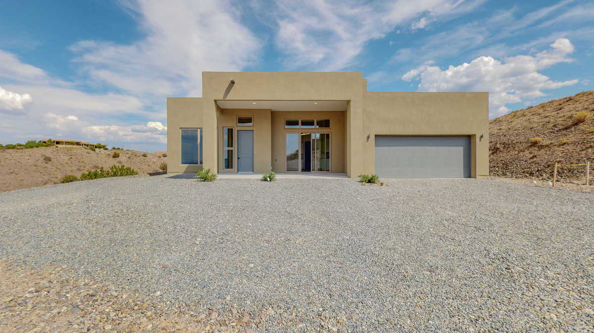 $569,900 - 3Br/2Ba -  for Sale in Sundance Mesa, Placitas