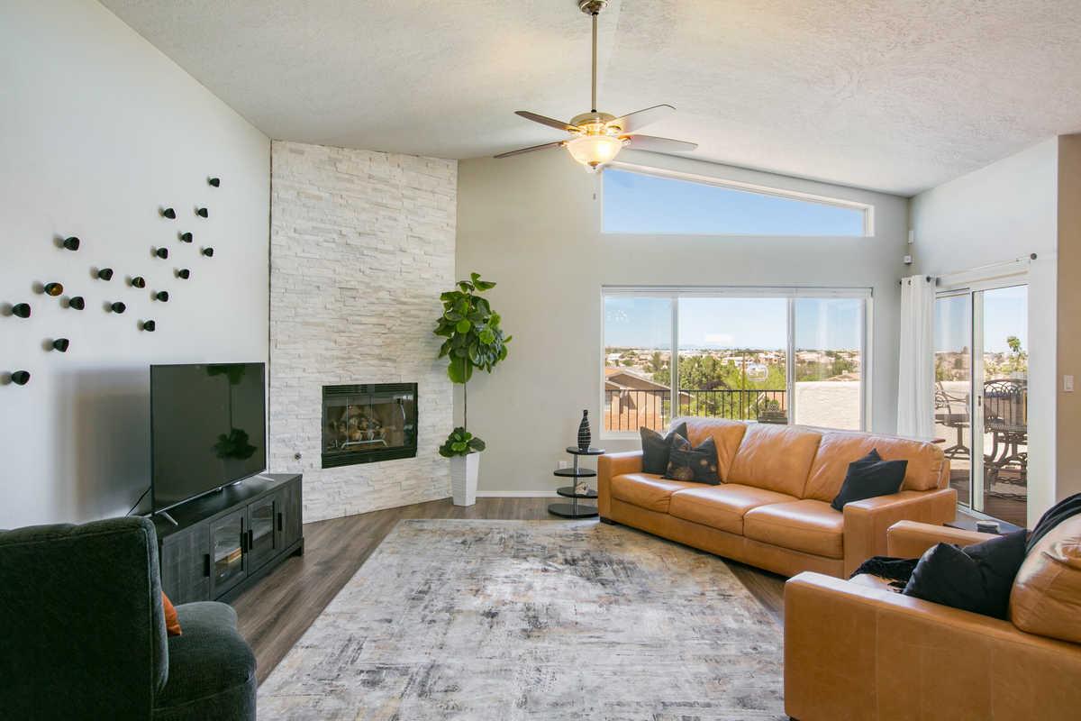 $447,000 - 4Br/3Ba -  for Sale in Eagle Ridge, Albuquerque