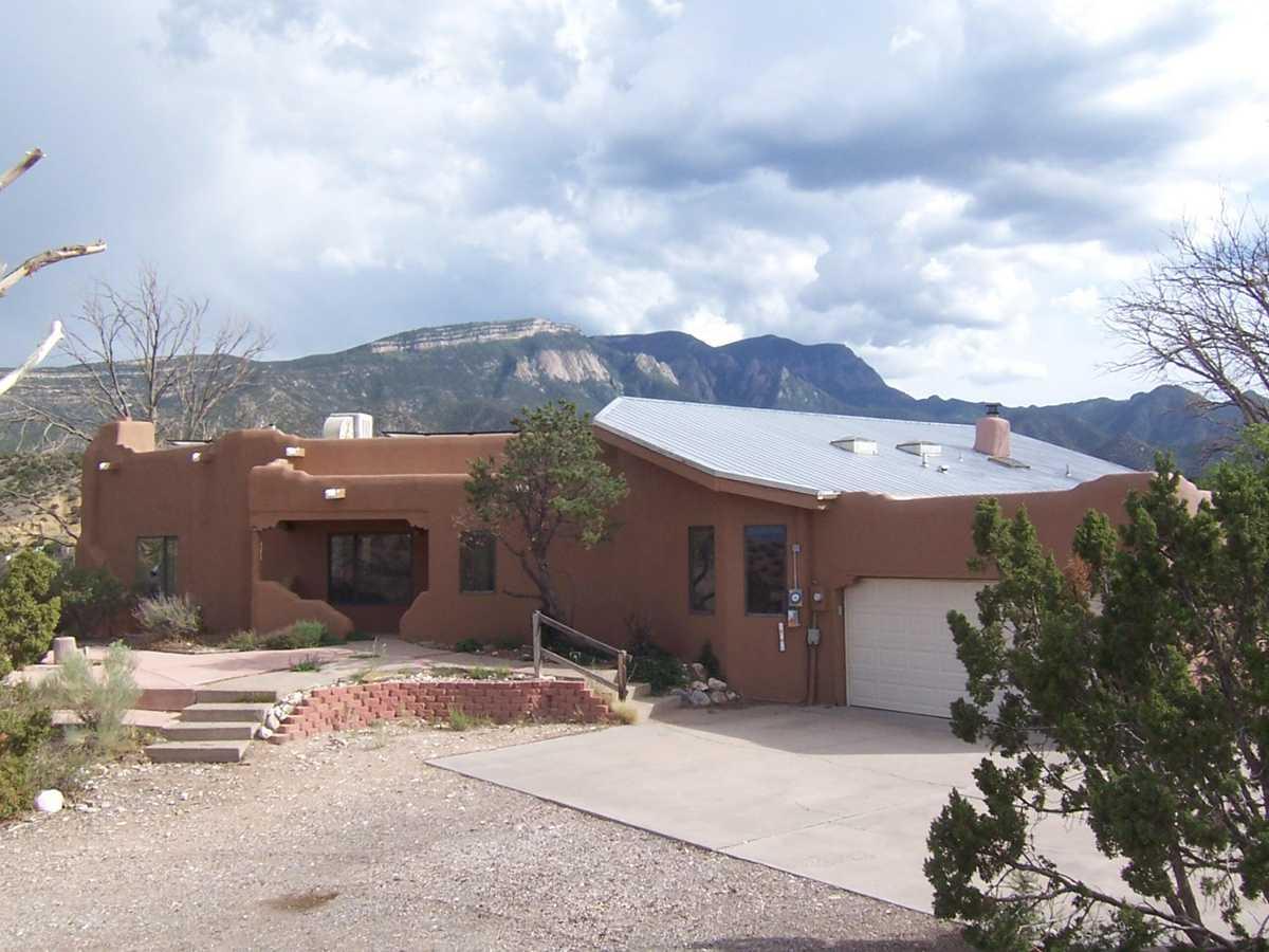 $440,000 - 3Br/2Ba -  for Sale in Ranchos De Placitas Unit 2, Placitas