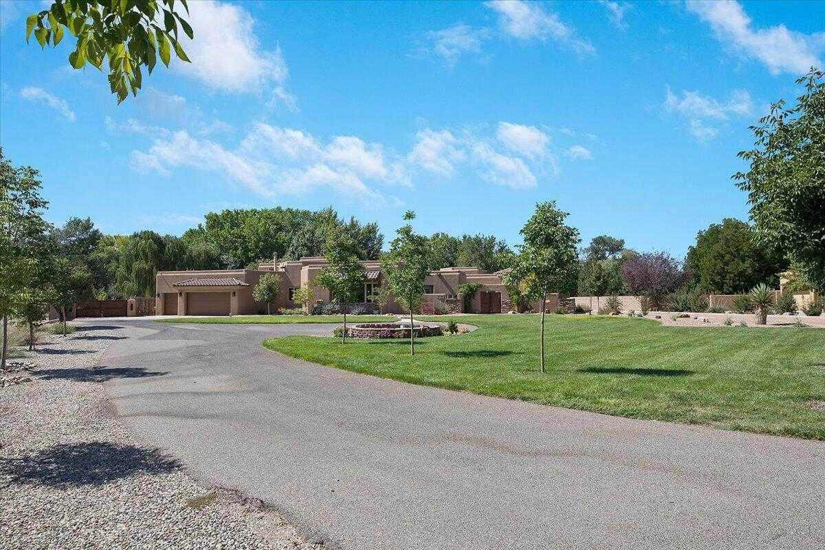 $1,650,000 - 5Br/5Ba -  for Sale in Los Ranchos