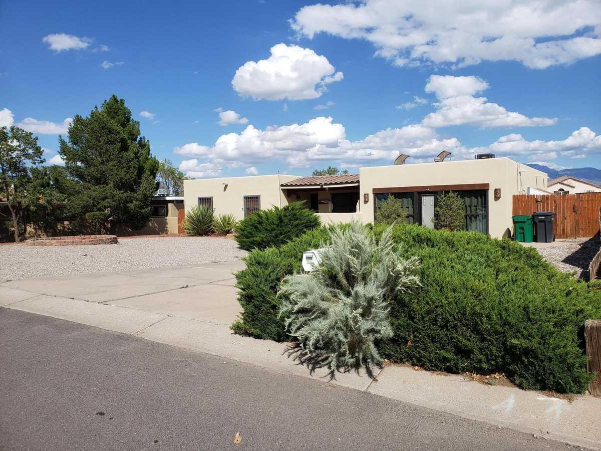 $425,000 - 4Br/2Ba -  for Sale in Albuquerque