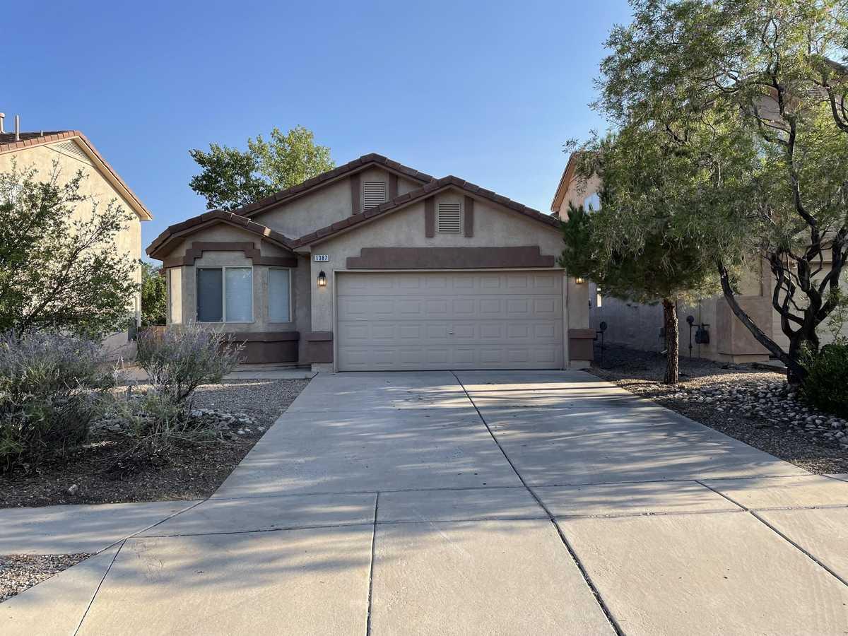 $299,900 - 4Br/2Ba -  for Sale in Rio Rancho