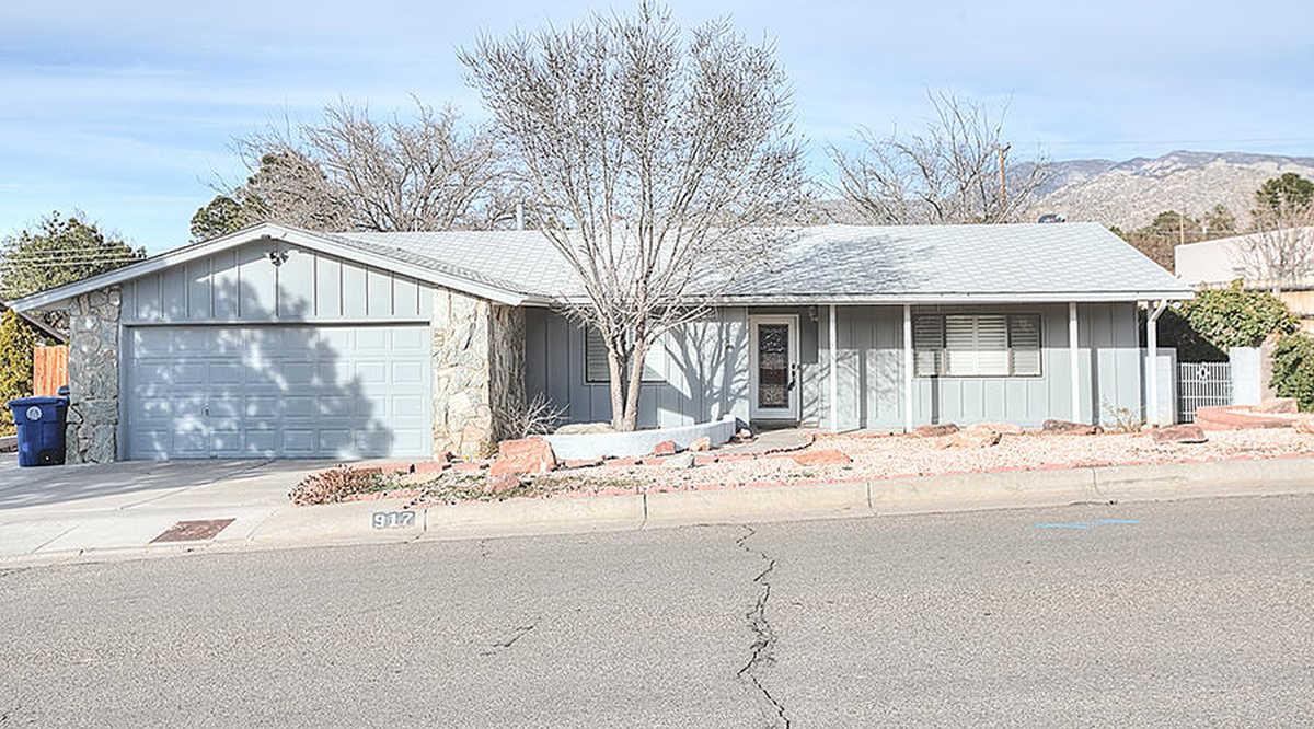 $375,000 - 3Br/2Ba -  for Sale in Albuquerque