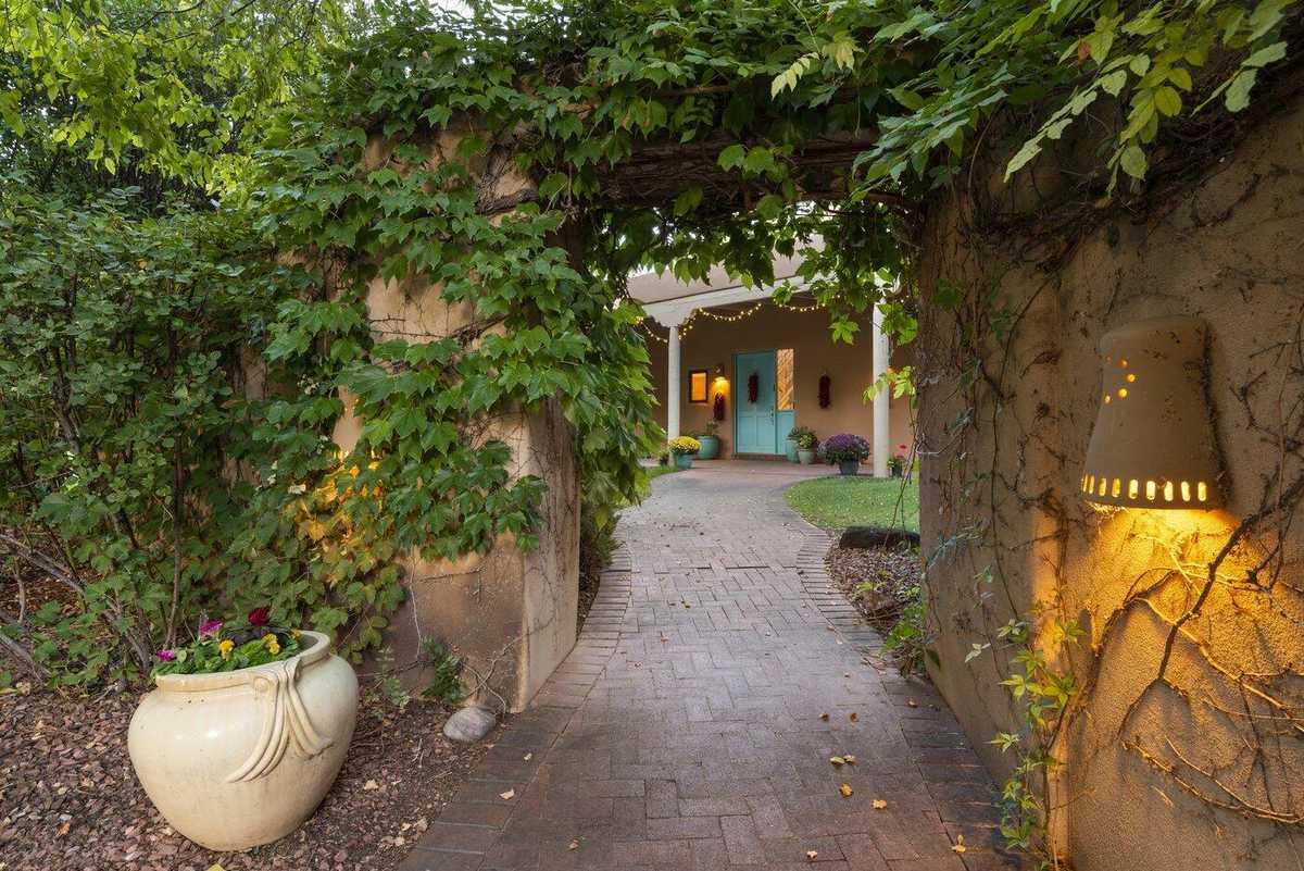 $1,730,000 - 6Br/5Ba -  for Sale in Tinnin Farms, Los Ranchos
