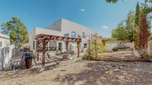 $280,000 - 3Br/2Ba -  for Sale in Albuquerque