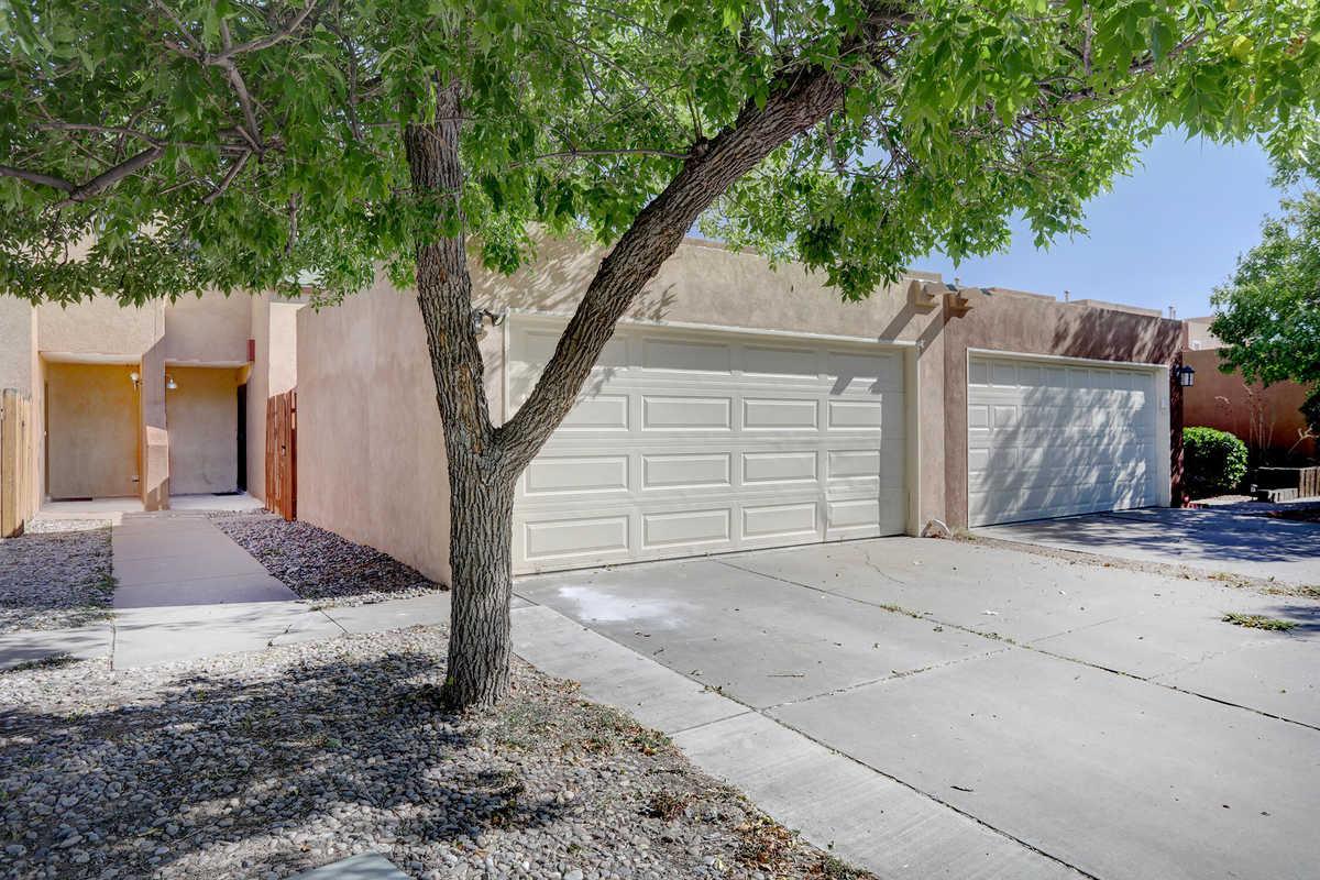 $170,000 - 2Br/3Ba -  for Sale in Montano Village, Albuquerque
