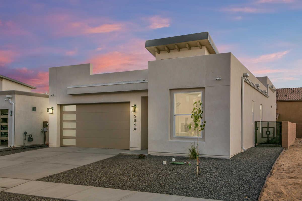 $425,000 - 3Br/2Ba -  for Sale in Albuquerque