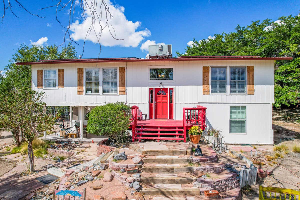 $565,000 - 3Br/3Ba -  for Sale in Corrales