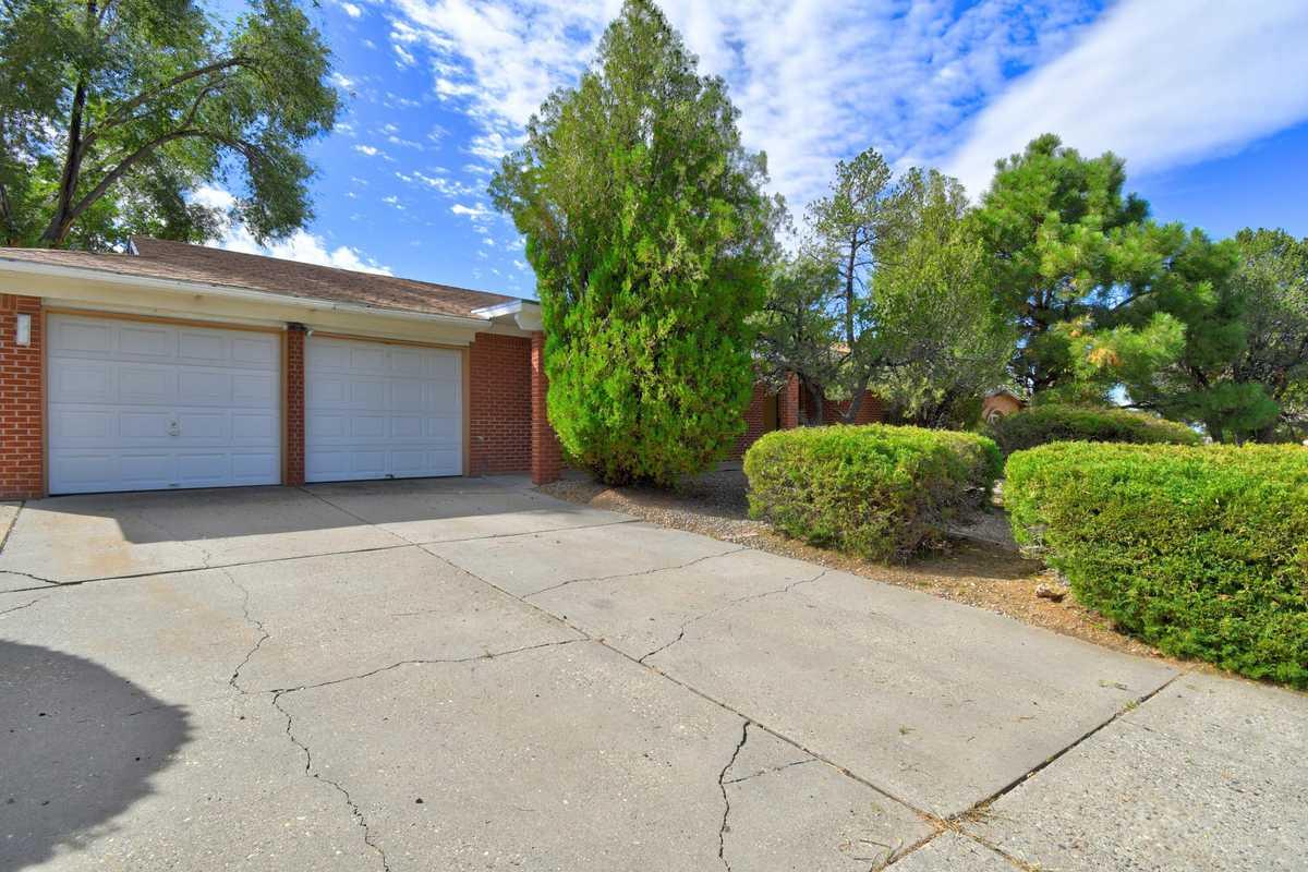 $300,000 - 4Br/2Ba -  for Sale in El Solindo, Albuquerque