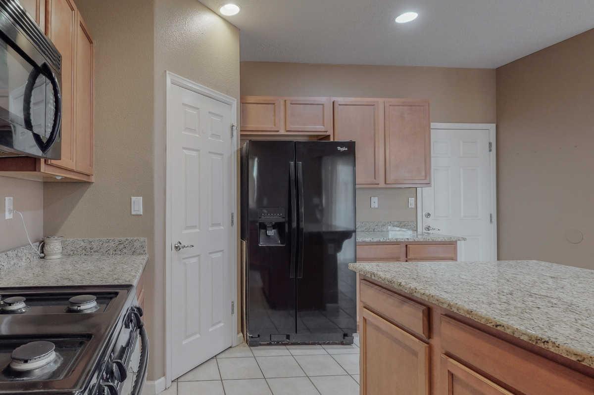 $340,000 - 4Br/3Ba -  for Sale in Rio Rancho