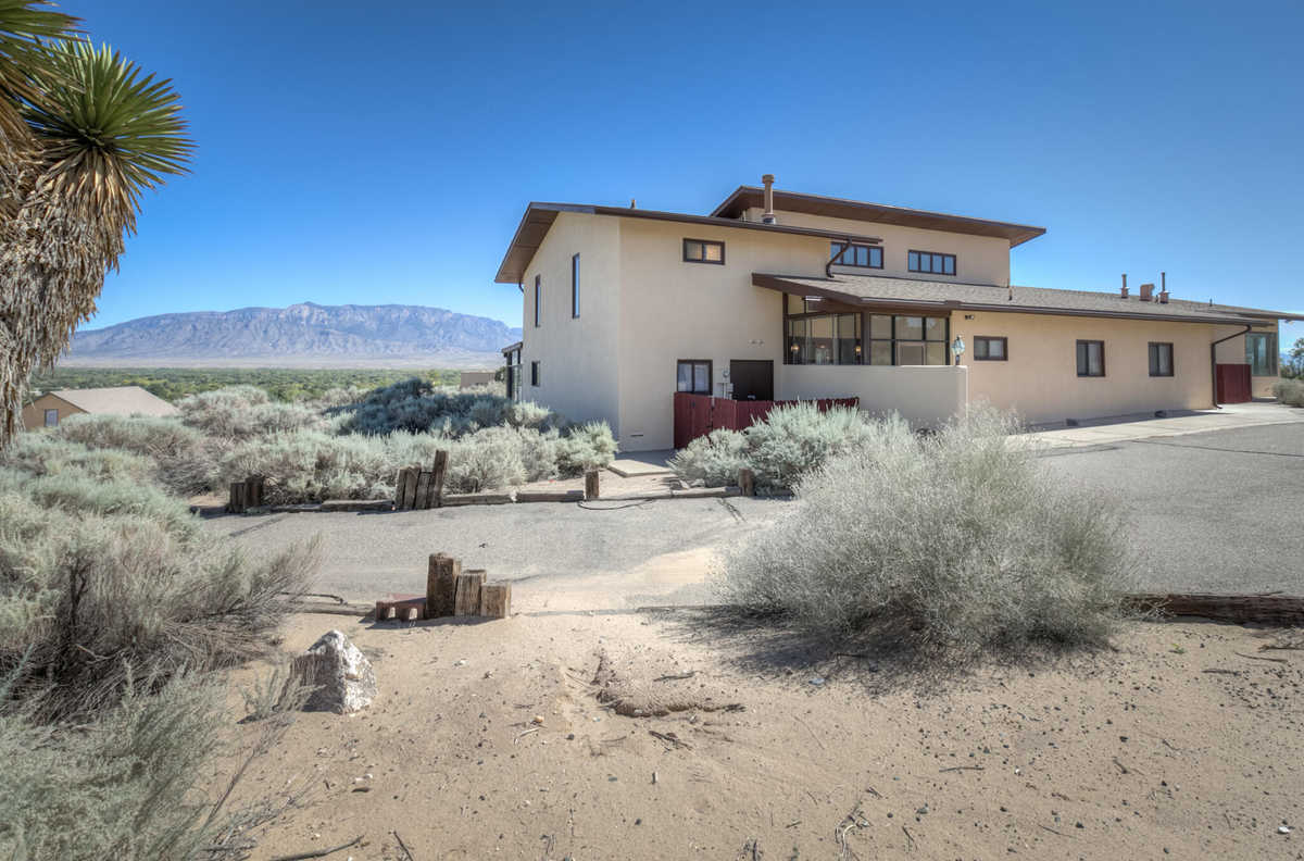$615,000 - 3Br/4Ba -  for Sale in Applewood Hills, Corrales