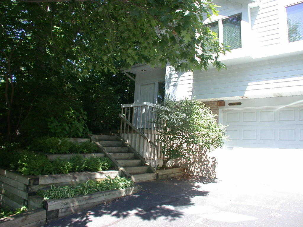 $249,900 - 3Br/4Ba -  for Sale in Bridgman