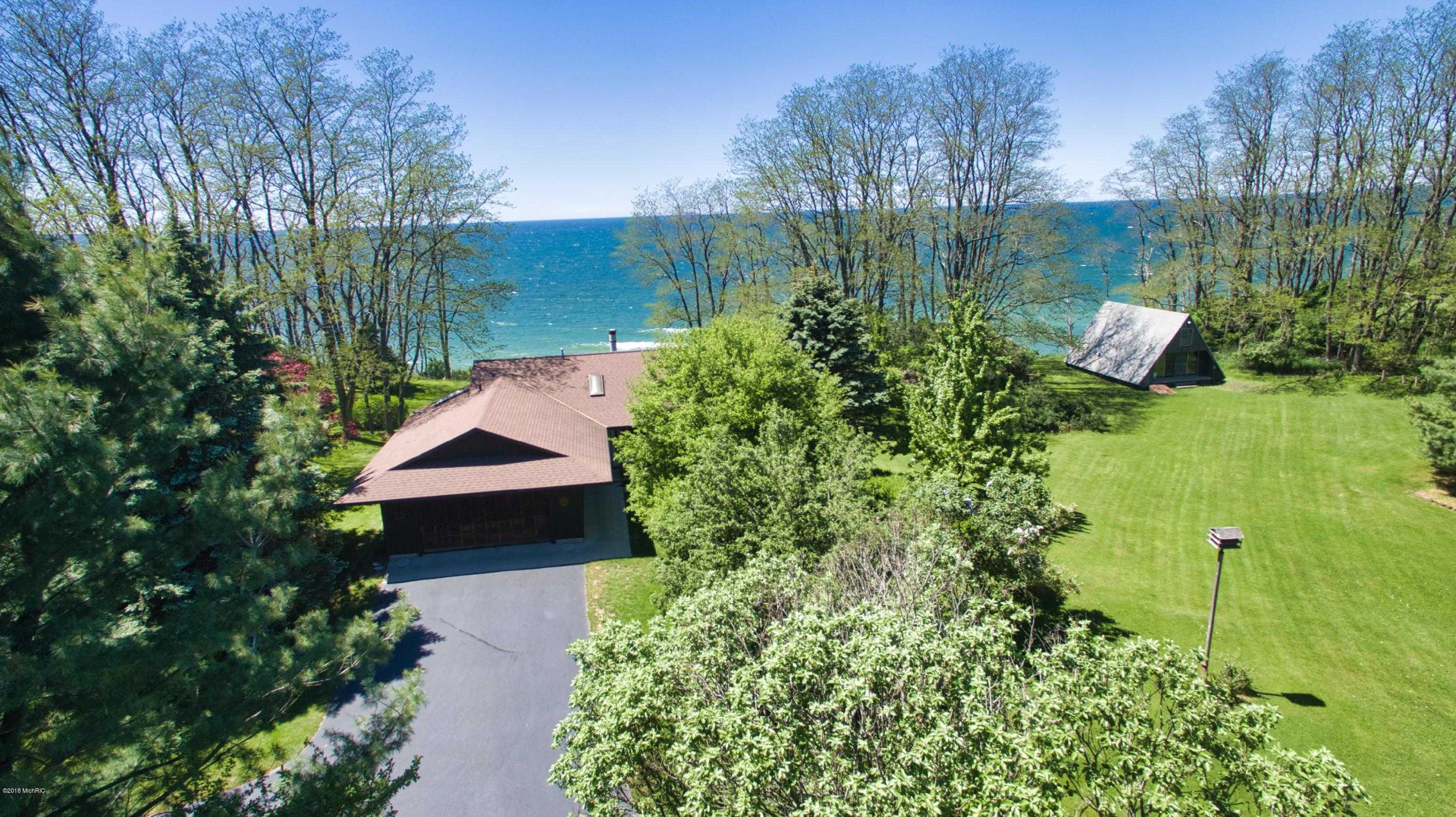 $865,000 - 3Br/2Ba -  for Sale in Manistee