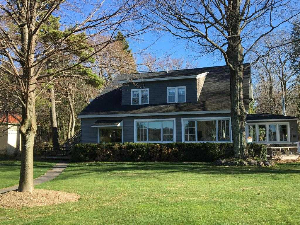 $747,500 - 6Br/3Ba -  for Sale in Manistee