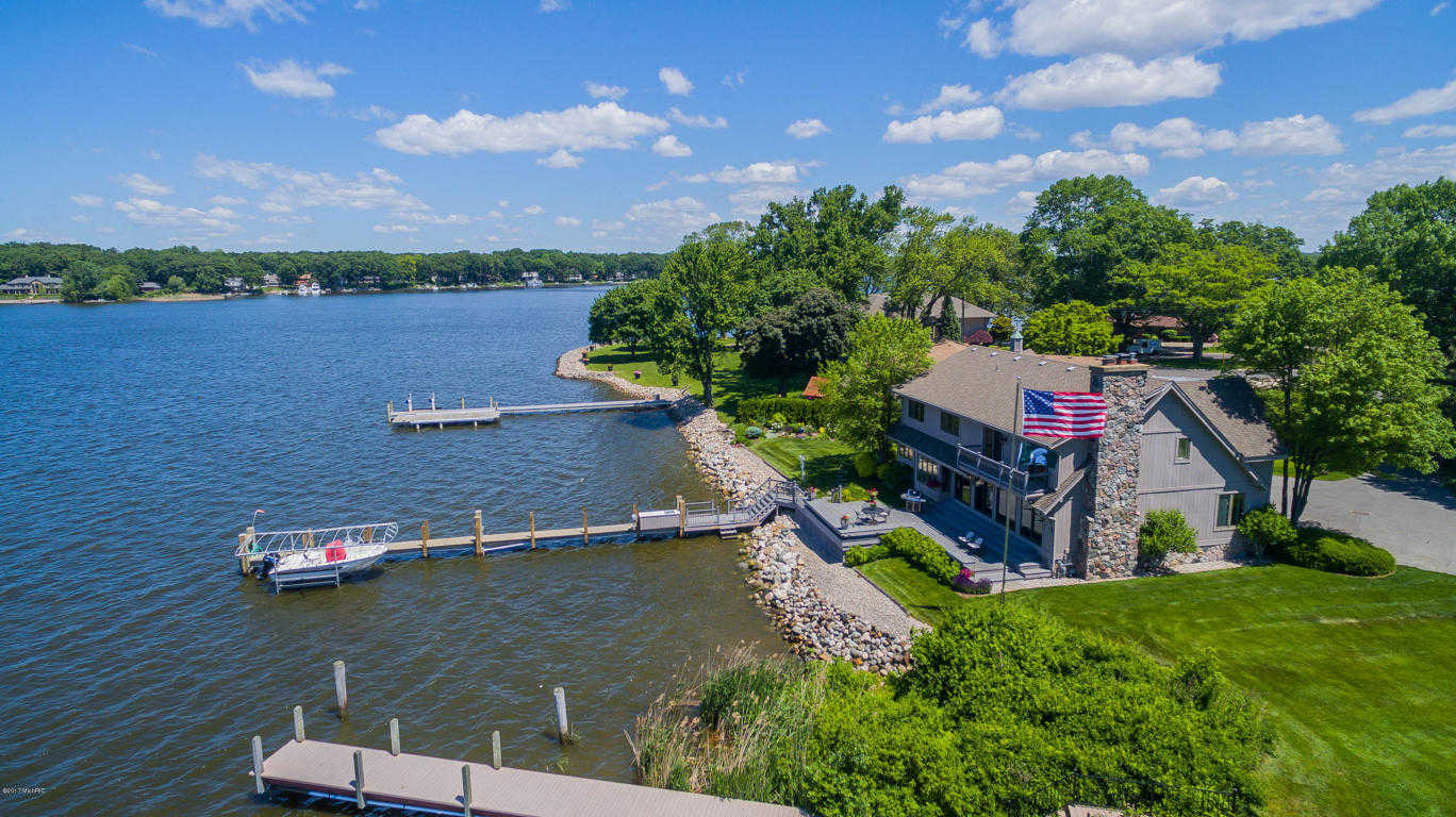 $1,275,000 - 4Br/5Ba -  for Sale in Holland