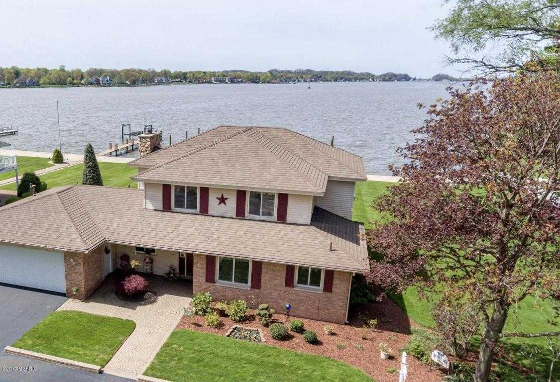 $996,000 - 5Br/3Ba -  for Sale in Holland