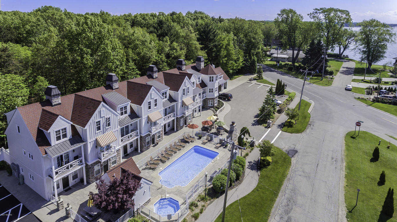 $425,000 - 3Br/4Ba -  for Sale in Holland
