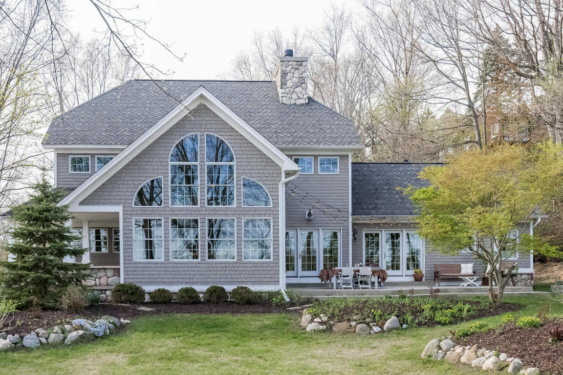 $835,000 - 4Br/4Ba -  for Sale in Saugatuck