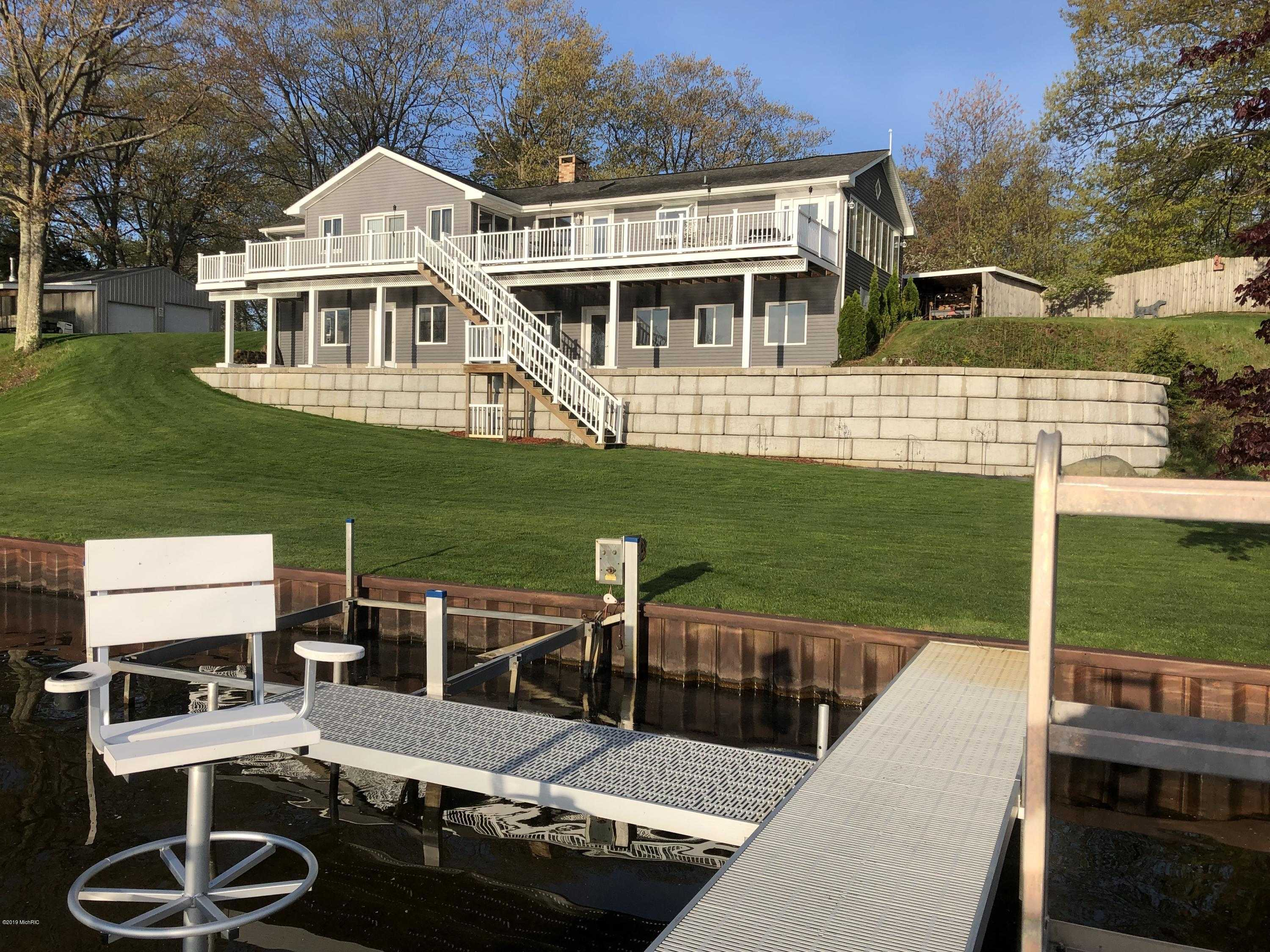 $985,000 - 3Br/3Ba -  for Sale in Ludington