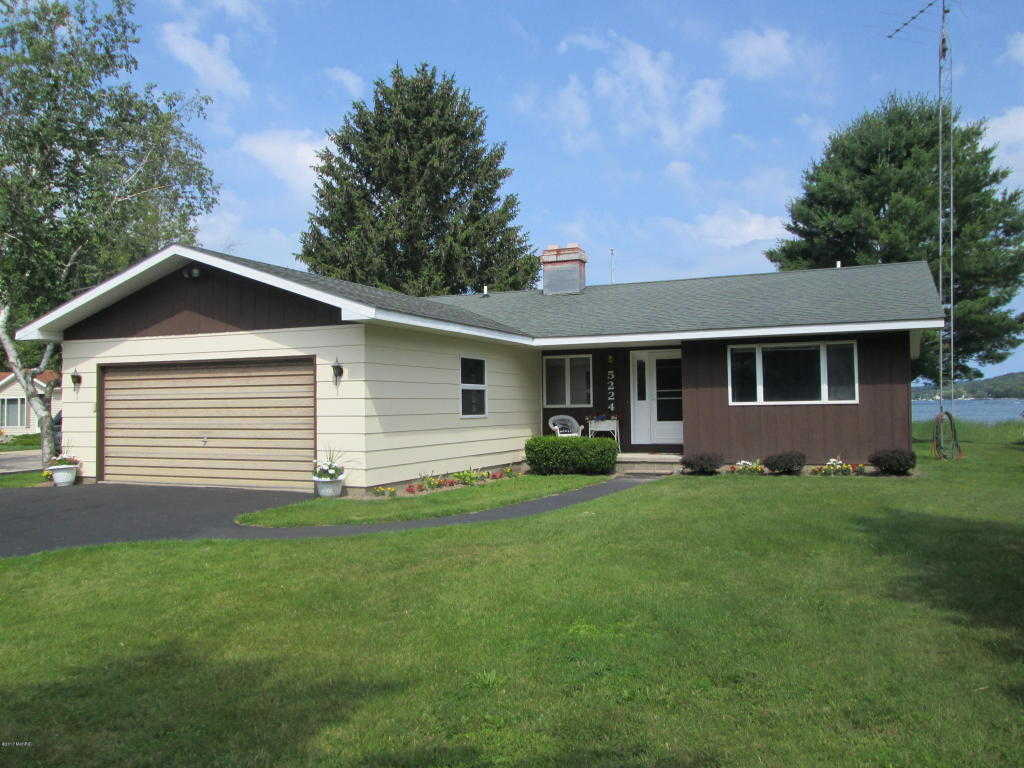$339,000 - 2Br/2Ba -  for Sale in Onekama