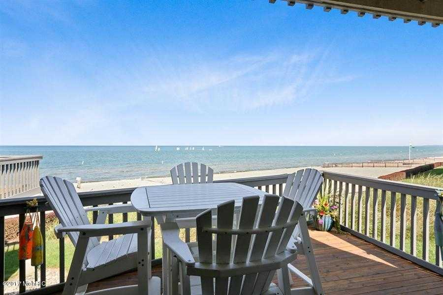 $999,000 - 4Br/5Ba -  for Sale in South Haven