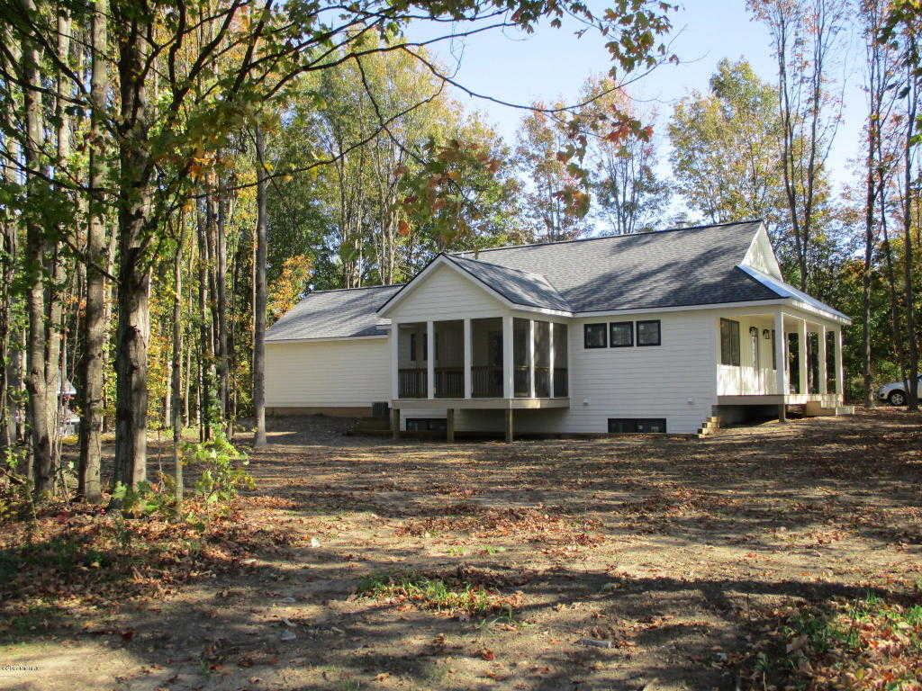 $419,000 - 3Br/3Ba -  for Sale in Fennville