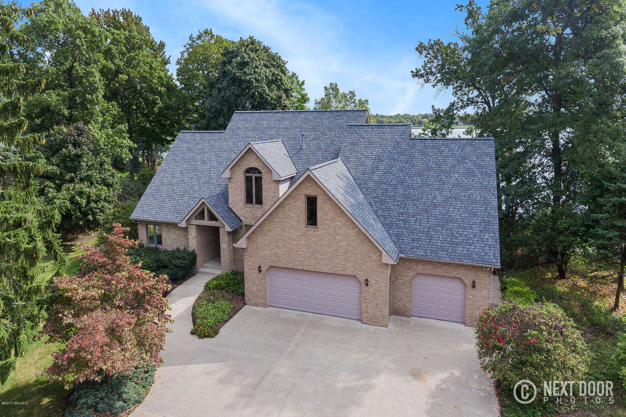 $1,350,000 - 4Br/4Ba -  for Sale in Holland