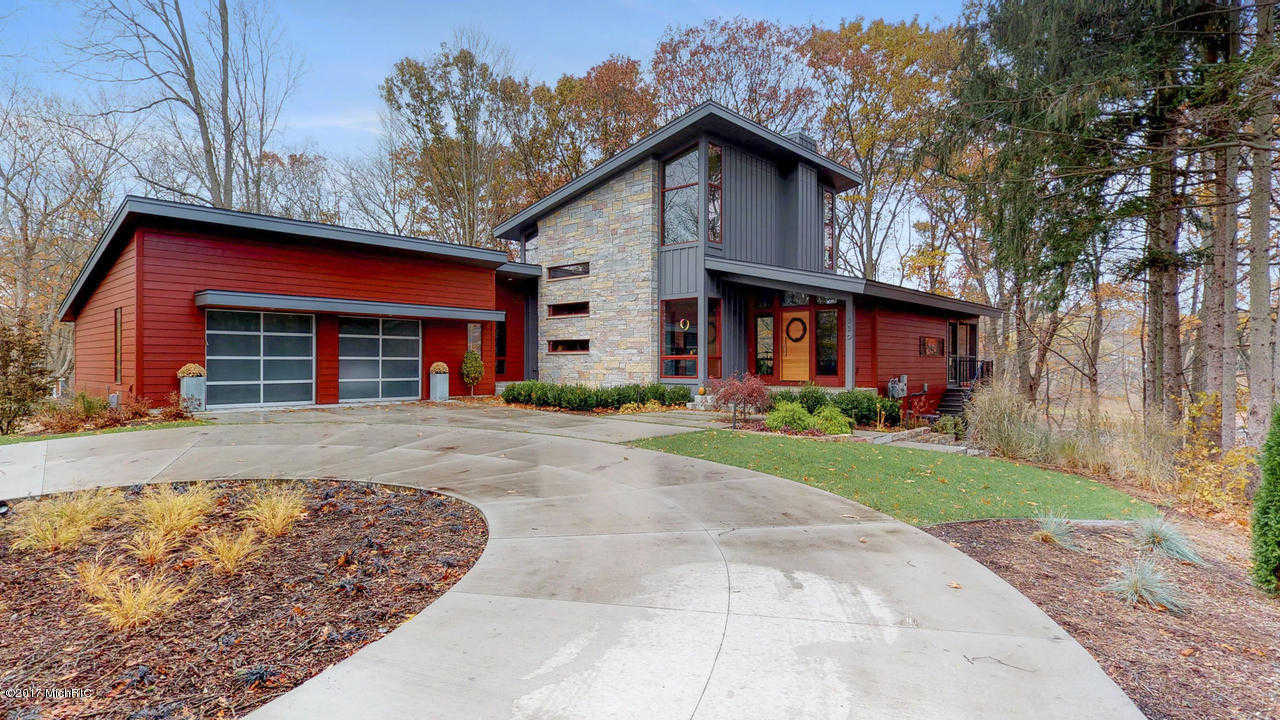 $1,400,000 - 4Br/4Ba -  for Sale in Saugatuck