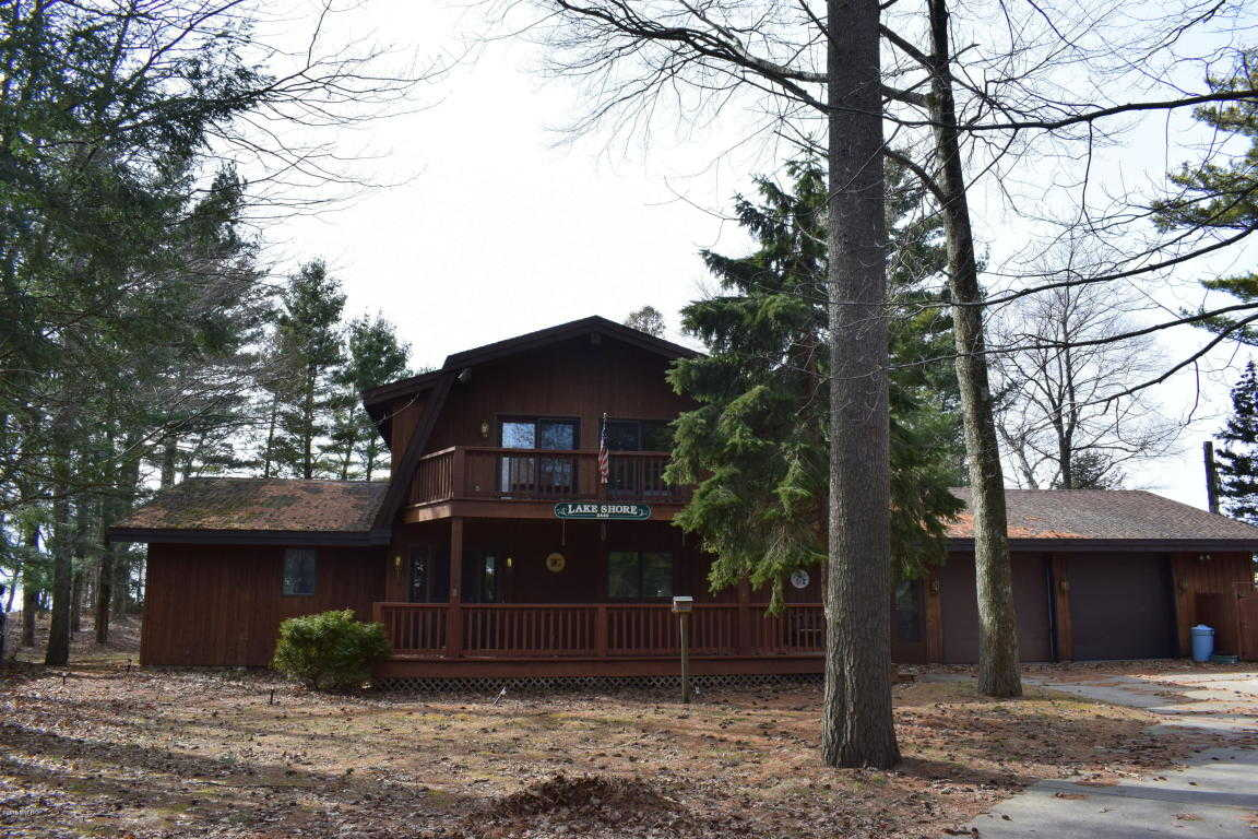 $739,000 - 4Br/3Ba -  for Sale in Manistee