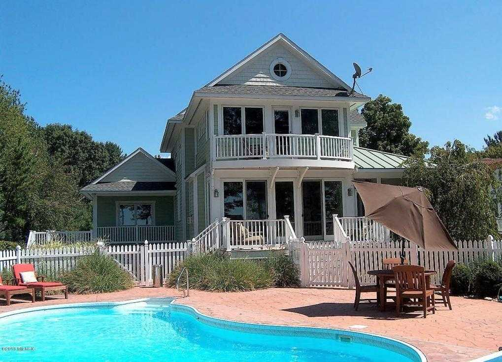 $1,299,000 - 5Br/4Ba -  for Sale in South Haven