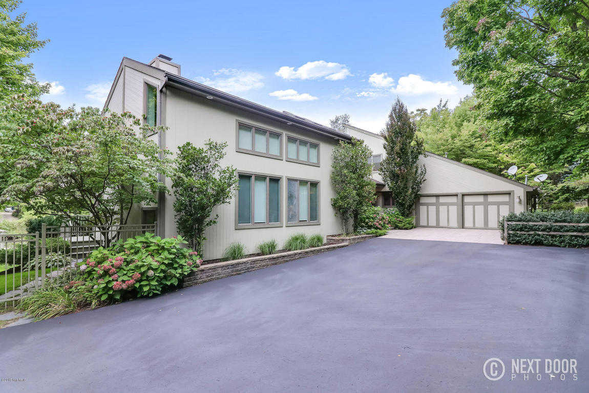 $924,000 - 4Br/5Ba -  for Sale in Holland