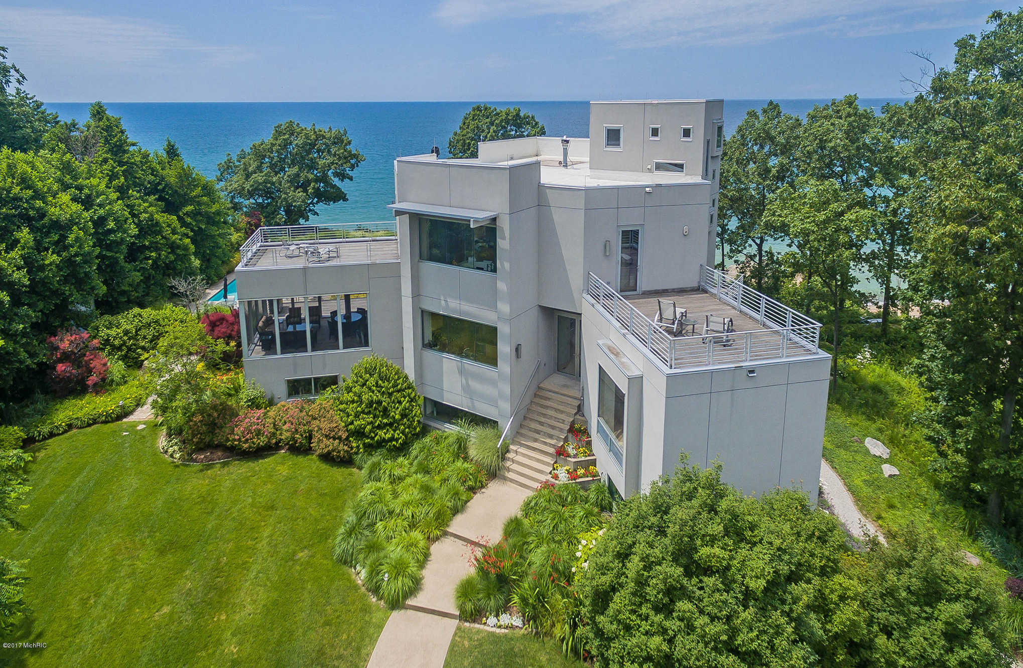 $4,000,000 - 5Br/6Ba -  for Sale in South Haven