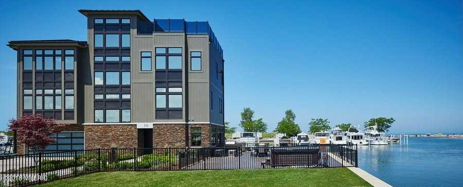 $3,750,000 - 4Br/5Ba -  for Sale in New Buffalo