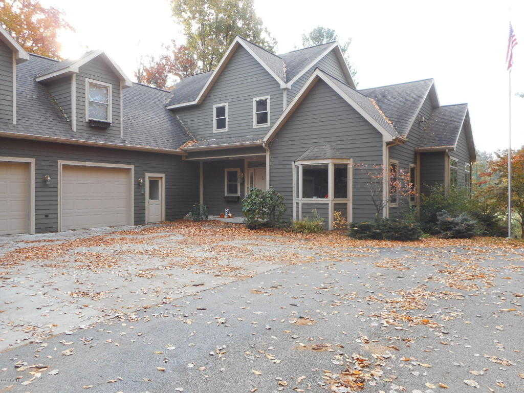 $499,900 - 3Br/3Ba -  for Sale in Onekama
