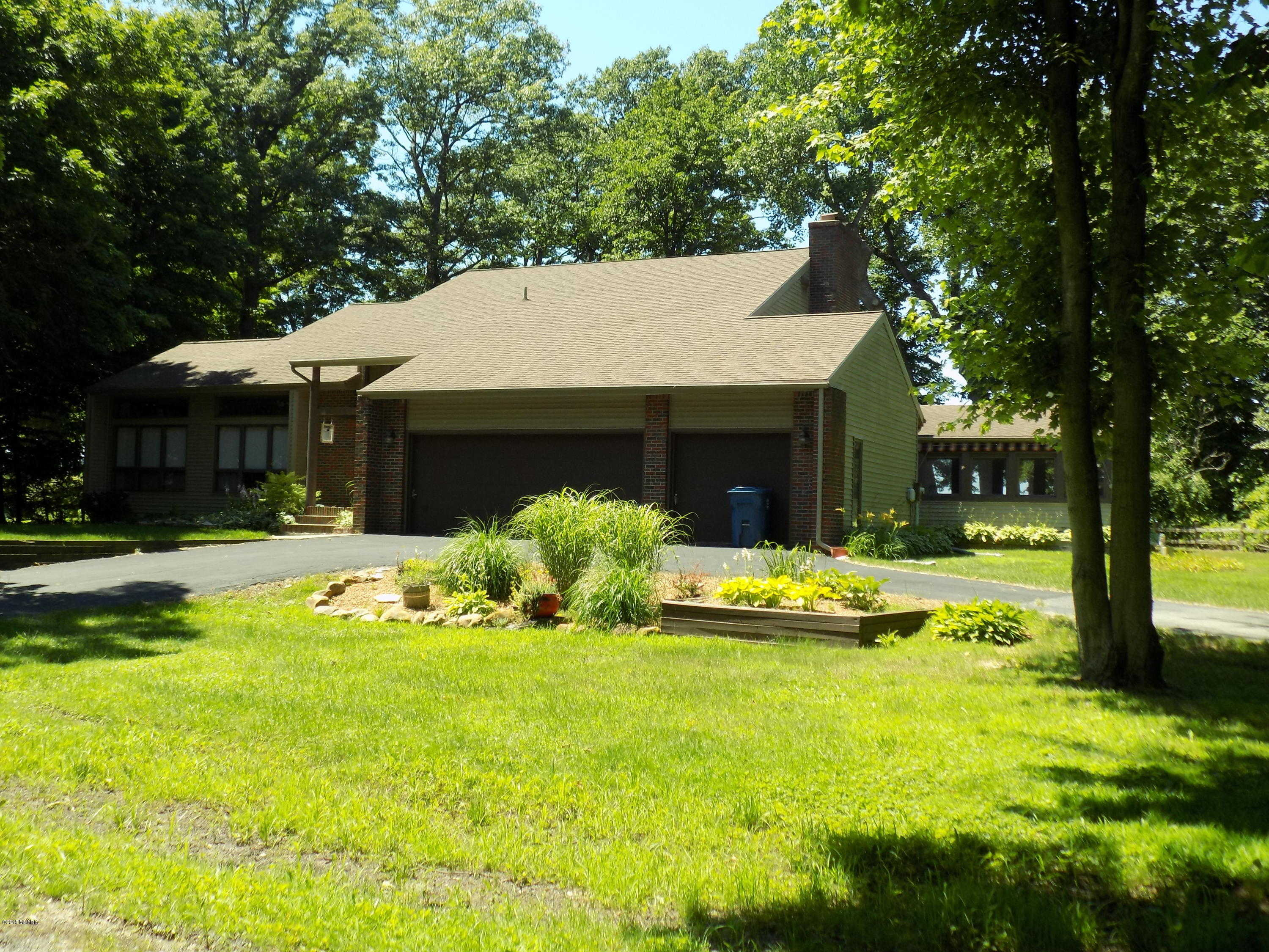 $1,190,000 - 3Br/3Ba -  for Sale in Benton Harbor