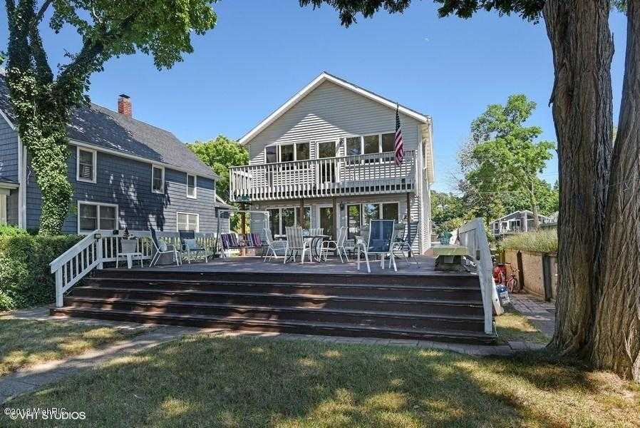 $956,000 - 3Br/2Ba -  for Sale in St. Joseph