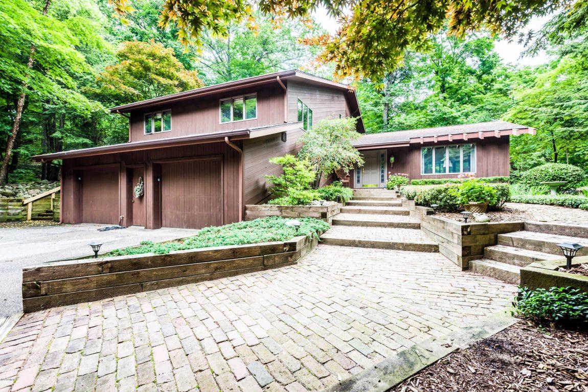 $549,000 - 4Br/3Ba -  for Sale in Bridgman