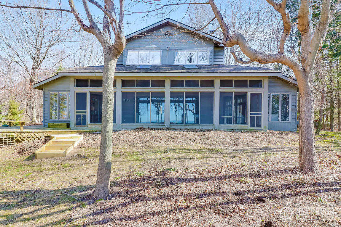 $749,900 - 3Br/3Ba -  for Sale in South Haven