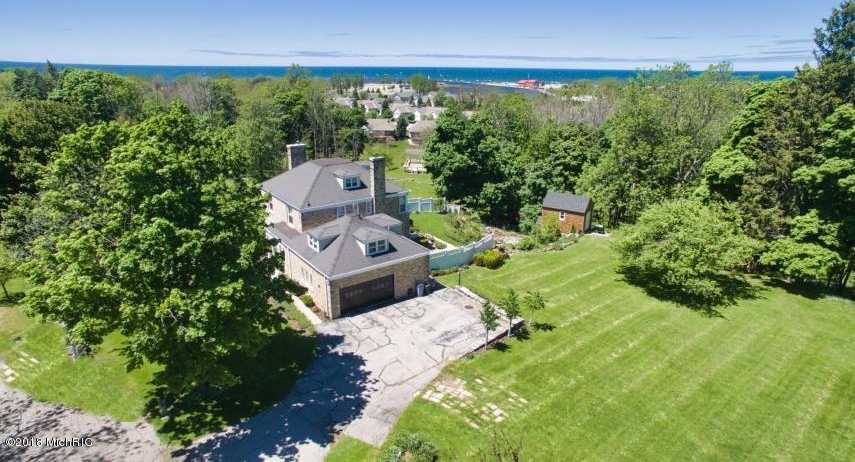 $568,000 - 5Br/7Ba -  for Sale in Manistee