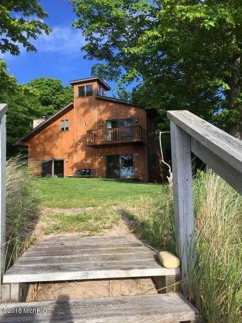 $749,000 - 3Br/2Ba -  for Sale in Manistee
