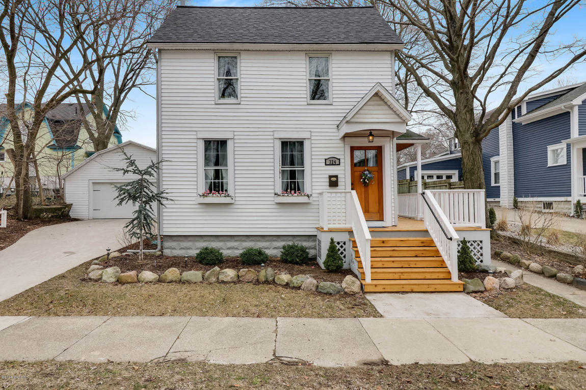 $325,000 - 3Br/2Ba -  for Sale in Grand Haven