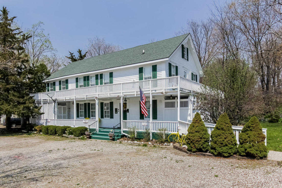 $899,000 - 10Br/10Ba -  for Sale in Saugatuck