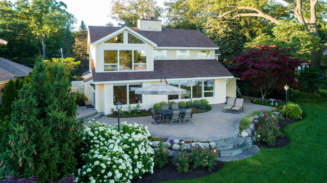 $1,525,000 - 4Br/3Ba -  for Sale in Holland