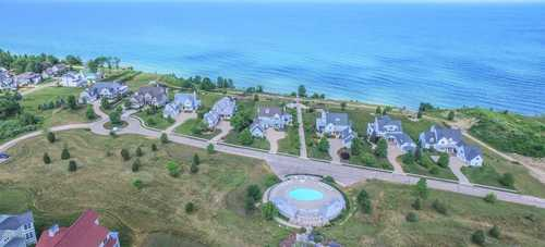 $152,100 - Br/Ba -  for Sale in South Haven