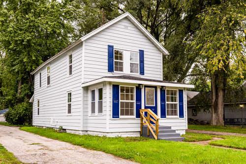 $179,900 - 3Br/3Ba -  for Sale in Benton Harbor