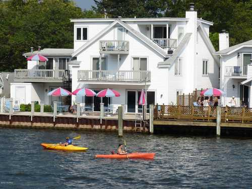 $2,200,000 - 9Br/10Ba -  for Sale in Saugatuck